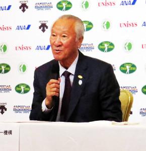 日程発表会見に出席した日本ゴルフツアー機構の青木功会長