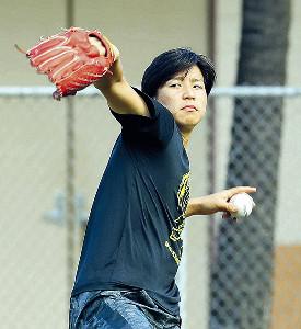 菅野とキャッチボールをする田中大