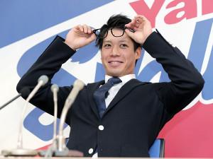 今季フルイニング出場も大幅ダウンの更改に苦笑いの山田(カメラ・関口 俊明)
