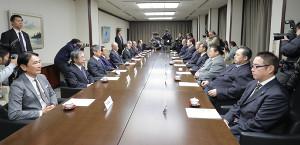 両国国技館の会議室で開かれた横綱審議委員会