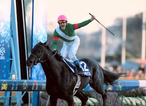 2003年の有馬記念、ゴールの瞬間にシンボリクリスエスに立ち上がって歓喜の声をあげたペリエ騎手