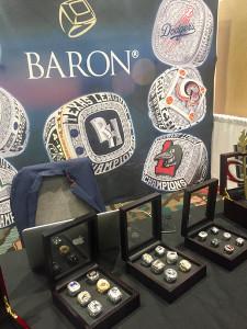 優勝指輪作製が定番の米国だけに宝石店もアピール