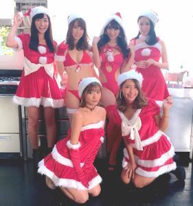(後列左から)☆HOSHINO 犬童美乃梨 森咲智美、今野ゆい(前列左から()葉月あや、橋本梨菜
