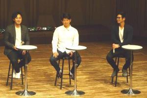 クリスマストークショーを行った(左から)石田、今永、桑原