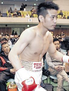デビュー7連勝とした辰吉寿以輝(左は父の丈一郎)