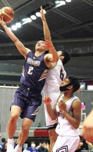 両チーム最多39得点をあげた北陸学院SF大倉颯太
