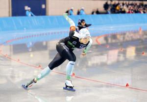 女子1000メートルを国内最高記録で優勝した小平(カメラ・酒井 悠一)
