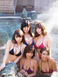 (後列左から)森咲智美、☆HOSHINO、犬童美乃梨(前列)葉月あや、橋本梨菜