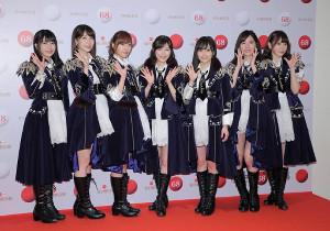 AKB48(左から)横山由依、柏木由紀、指原莉乃、渡辺麻友、山本彩、松井珠理奈、宮脇咲良