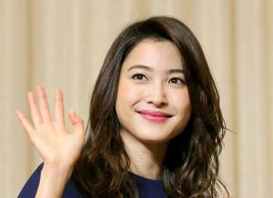元ミス・ユニバース日本代表のモデル、絵美里が自営業男性と結婚 ...