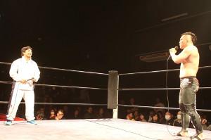 佐藤(右)から対戦を熱望される内柴