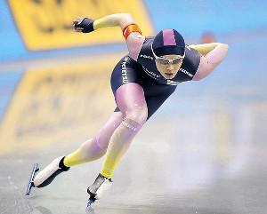 27日の女子500メートルで2位となった郷