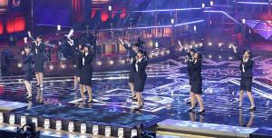 前日の輝く日本レコード大賞で歌を披露したつばきファクトリー