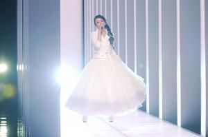「Hero」を熱唱した安室奈美恵