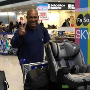元日に成田空港に来日したDeNAラミレス監督