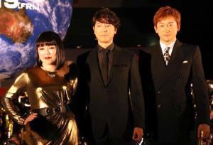 舞台あいさつに出席した(左から)ブルゾンちえみ、上川隆也、山本耕史