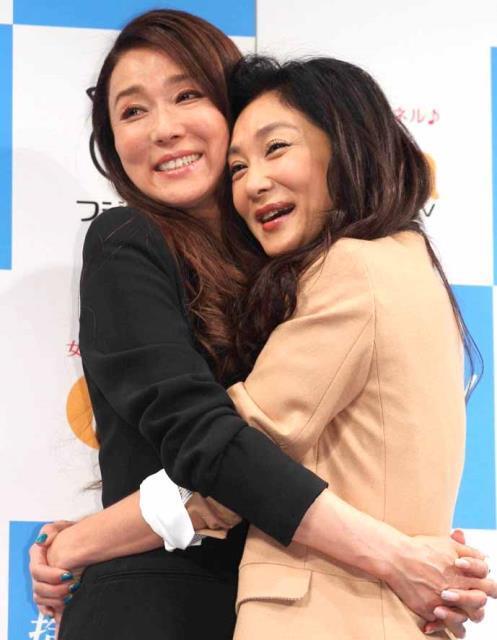 浅野ゆう子(左)と浅野温子