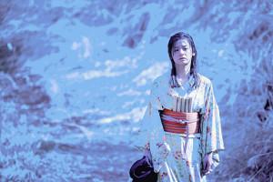 映画では、ダイナマイト心中を遂げる主人公の母親を演じた