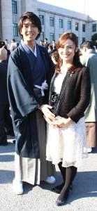 宮崎謙介氏(左)と金子恵美氏夫妻