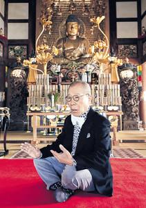 レコーディング場所に近い東京・九品仏浄真寺を訪れた小林克也