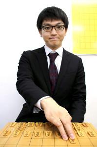 ストイックさで知られる永瀬拓矢七段。一方で「最近は紅茶屋さんに行くのが趣味と言えば趣味です。カモミールが好きですね」と可愛らしい一面も