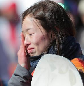 19位に終わり、涙を流す鬼塚雅(カメラ・相川 和寛)