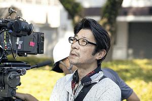 「半世界」で初タッグを組む稲垣吾郎(左)と阪本順治監督