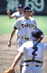 甲子園でノーヒットノーランを達成した帝京時代の芝草宇宙氏(1987年8月16日)