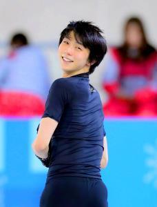 2大会連続金メダルを目指す羽生は、順調な調整ぶりに爽やかな笑顔を見せた(カメラ・酒井 悠一)