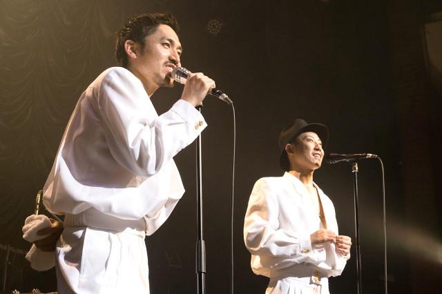 ツアー最終公演を行った「C&K」のCLIEVY(左)、KEEN