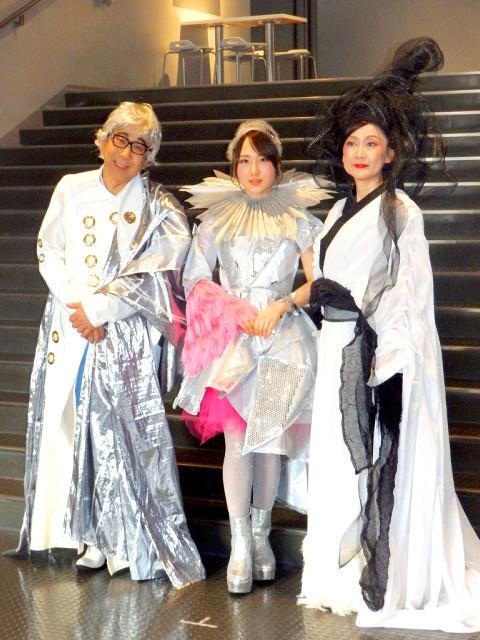 ミュージカル「新☆雪のプリンセス」囲みに出席した(左から)木根尚登、高橋朱里、一路真輝