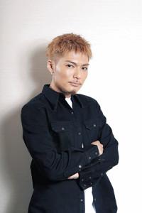 EXILE THE SECONDの新曲「アカシア」で作詞・作曲を手掛けたSHOKICHI(カメラ・頓所 美代子)