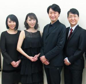 会見した(左から)春本由香、貴城けい、喜多村緑郎、河合雪之丞