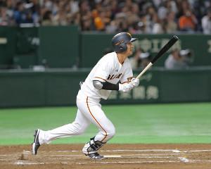1回1死、吉川尚が右越え本塁打を放つ(カメラ・安藤 篤志)