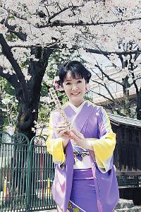 桜神宮でヒット祈願を行った田川寿美