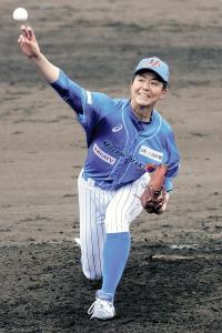 デビュー戦で7回3安打無失点と好投した石川・近藤