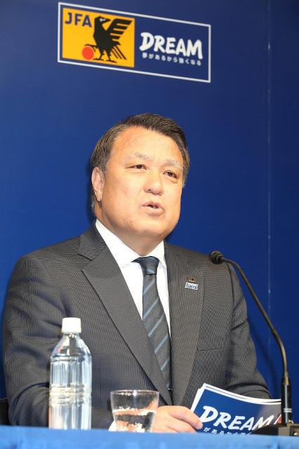 ハリルホジッチ監督の解任を発表する田嶋幸三会長(カメラ・川口 浩)
