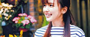 ミュージックビデオに出演した真野恵里菜