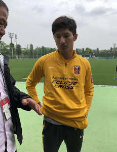 古巣の柏戦に向けて取材を受ける浦和MF武富孝介