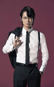 外資ファンドの代表を演じる綾野剛