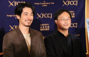 イベントに出席したディーン・フジオカ(左)と深田晃司監督
