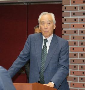 会見で報道陣ともめた日大広報部・米倉久邦氏