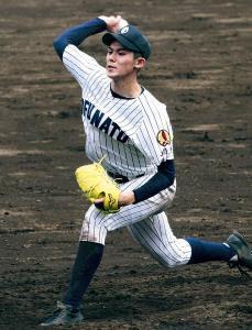最速154キロの速球を投げ、完投勝利した大船渡・佐々木(カメラ・有吉 広紀)