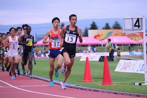 ホクレンディスタンス士別大会5000メートルで先頭を走る大迫傑