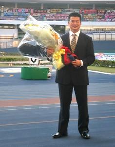 松戸競輪場で引退セレモニーを行った鈴木誠