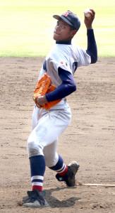 9回に登板し1イニングを無失点に抑えた横浜・万波(カメラ・増田 寛)