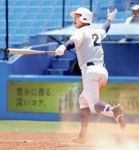 5回1死一、二塁、左越えに逆転3点ランを放った関東第一の石橋(カメラ・泉 貫太)