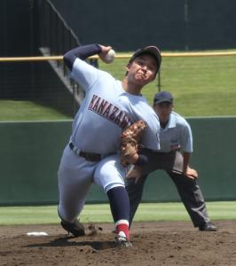 9安打を浴びながらも1失点完投で18年ぶりの8強に導いた金沢・田中翔也
