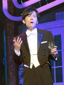 華麗なステップで歌声を披露した稲垣吾郎