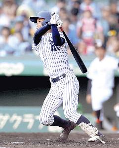 4回無死二塁、中越えに2ランを放った常葉大菊川・奈良間